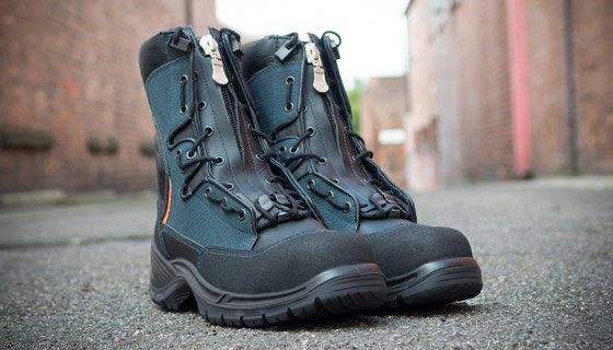 Forest Rescue Boot has an opening zipper with Quick-Release