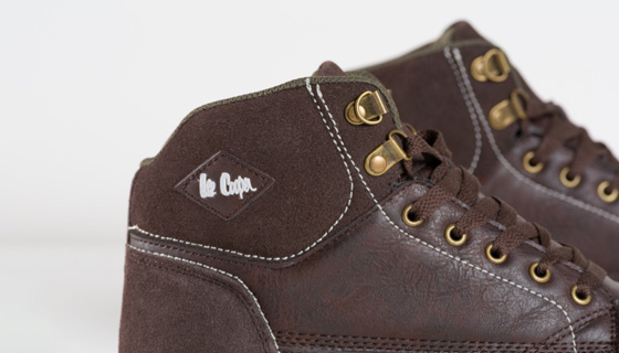 Lee Cooper Mid Cut Safety Boot S1P SRA contrast colour stitching gives these shoes a casual look.