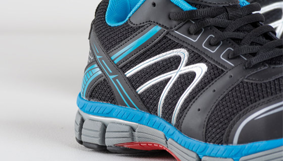 Lee Cooper Safety Trainer S1P SRA protective boot is styled like a modern running shoe.
