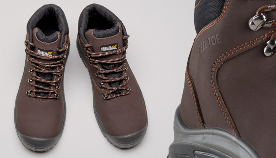Regatta Peakdale S3 Safety Hiker Boot penetration resistant midsole for rough surfaces, a shock absorbing cushioned heel