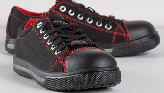 Safety trainers from Regatta in a baseball trainer style. With steel toe cap and penetration resistant midsole.