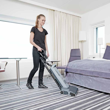 Upright vacuum cleaner VU500-12